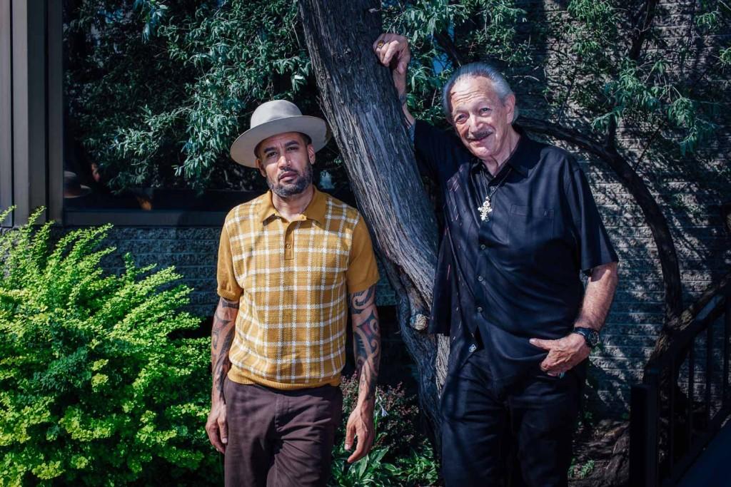Ben Harper et Charlie Musselwhite lors de leur passage au Festival de Jazz de Montreal. Photo : Valerian Mazataud Le Devoir